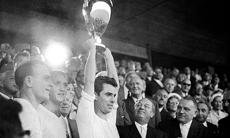 Real Madrid celebrate with the European Cup in 1959